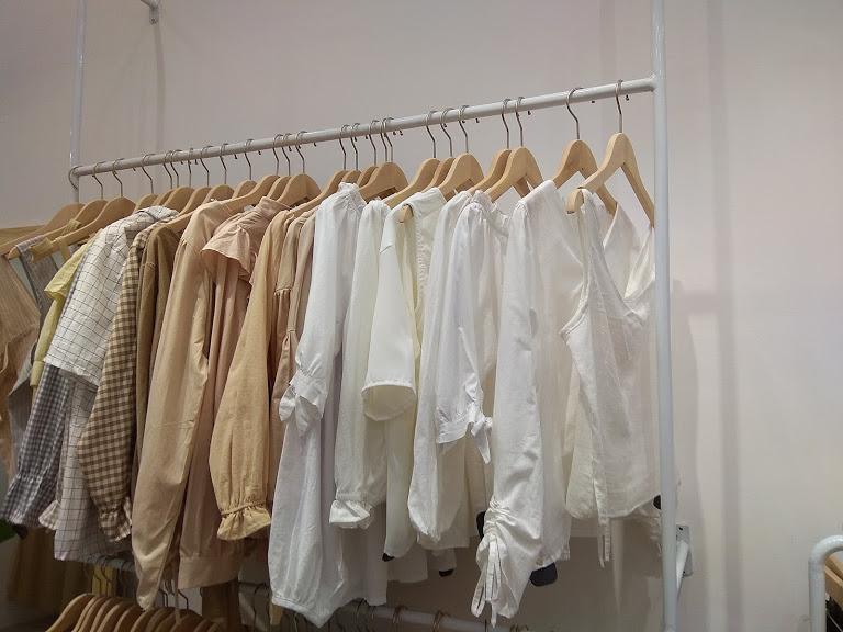 móc-treo-quần-áo-bằng-gỗ-cao-cấp