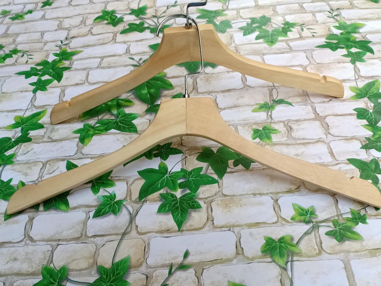 móc-gỗ-nữ-thời-trang-lưng-vuông-không-đệm-vai
